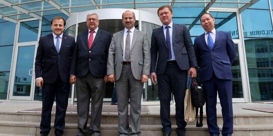занимают ли русские руководящие должности в узбекистане как получить льготный кредит многодетной семье