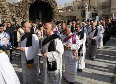 ABD'nin saygın gazetelerinden New York Times (NYT), bazı Iraklı Hıristiyanların İstanbul'a sığındıklarını ve Noel'i İstanbul'daki küçük kiliselerinde kutladıklarını yazdı.