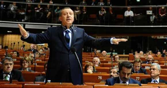 Erdoğan'ın sözleri Fransızları şaşırttı. Dün Fransa'da tüm gün Erdoğan konuşuldu. Kaynak : http://www.internethaber.com/erdoganin-sozleri-fransizlari-sasirtti-340683h.htm#ixzz1JSgn0crN