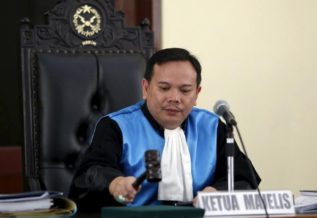 Chief judge Ujang Abdullah concludes the appeal hearing for French death row prisoner Serge Atlaoui's appeal at the administrative court in Jakarta, Indonesia, June 22, 2015.