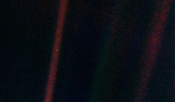 Voyager 1 Dünya fotoğrafı