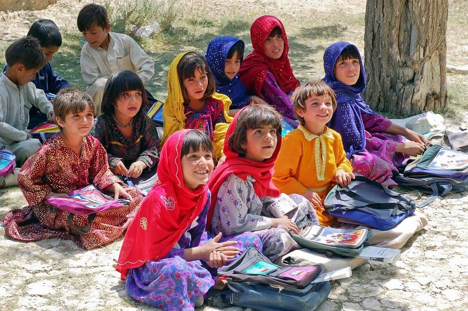 Afgan mülteciler temsili resim : Afgan öğrenci çocukları, Afganistan