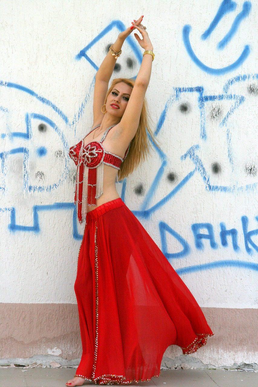 göbek dansı, dansöz