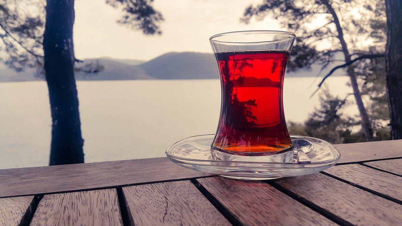 Türk cam çay bardağı